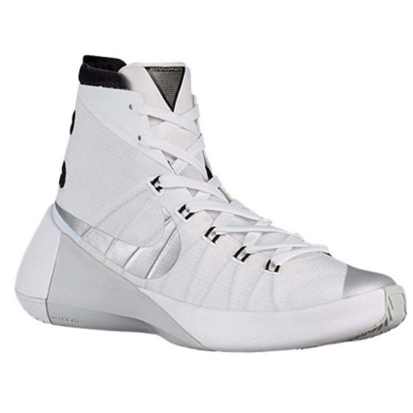 reputable site cdf95 972fa Nike Hyperdunk 2015 Women s Basketball Shoes. M 5b7e147f4ab633429f7d54ed